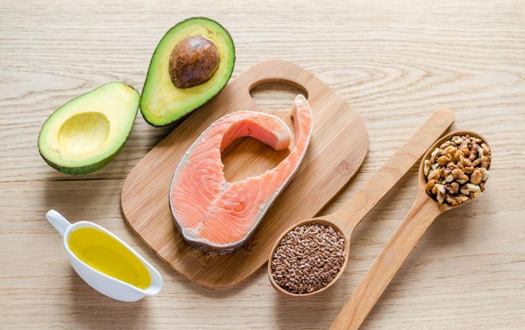 omega 3 maiste: daržovėse, žuvyje, sėklose